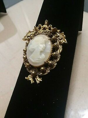 Vintage Florenza Carved Shell Cameo Gold Tone Crown Brooch Pin/Pendant
