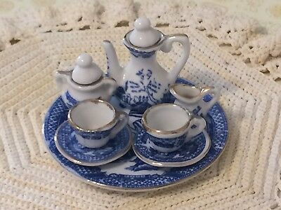 Vintage Tiny Miniature Blue Willow with gold edge 10 piece tea set Rare!