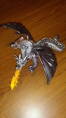 Papo - Fire Breathing 2 Headed Dragon - Dungeons Figure - excellant condition