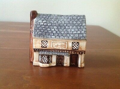 Suffolk Cottages for Around the Corner - Made in England - Tavern