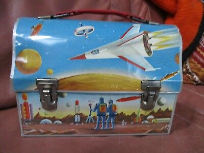 VTG 1960s SPACE-AGE SCI-Fi TRAVEL ASTRONAUTS ROCKET MOON METAL DOME LUNCH BOX