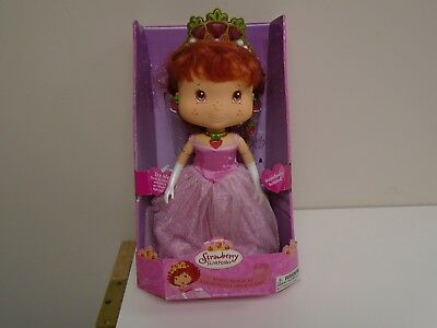Strawberry Shortcake Berry Magical Doll
