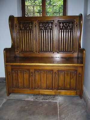 Settle/Monk's Bench in solid hardwood