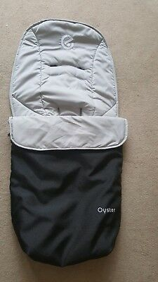 Babystyle Oyster 1 / 2 / Max Footmuff in black and tan/grey