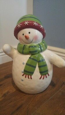 Super cute Snowman Cookie Jar Great condition made of earthenware 73oz