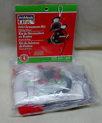 FELT ORNAMENT KIT Makes 4  HOLIDAY MOUSE by ArtMinds NEW Condition