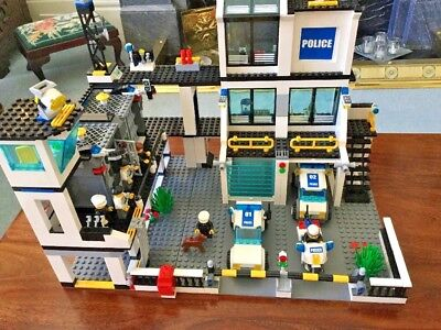 Lego City Police Station 7744 Complete Set With Instructions