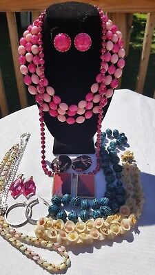 Vintage 12 Piece Lot Of Jewelry Earrings And Necklaces Great For Summer