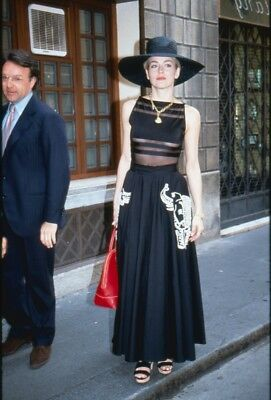 SHARON STONE 1990s VALENTINO FASHION BEAUTIFUL GROUP OF 73 COLOR TRANSPARENCIES