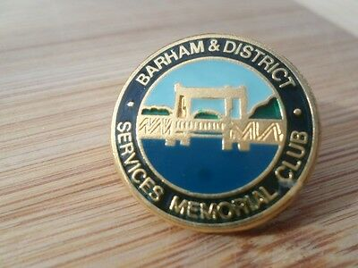 BARHAM & DISTRICTS SERVICES & MEMORIAL CLUB,N.S.W. FROM 1980s--- MEMBERS BADGE