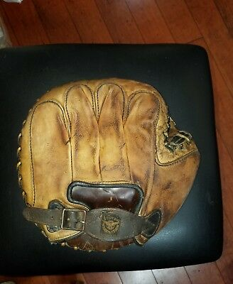 Early Antique Victor Wright Ditson Buckle web Catchers Mitt