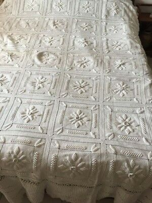 Beautiful Vintage Handmade Coverlet