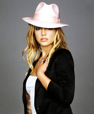 Britney Spears UNSIGNED photo - M4496 - American singer and actress - NEW IMAGE!