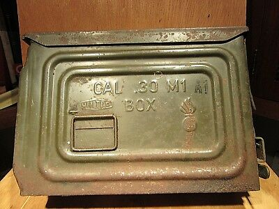 Vintage WWII US Ammo Box 250 Cal. 30 Belted 4 Ball ITR United   .30 M1   A1