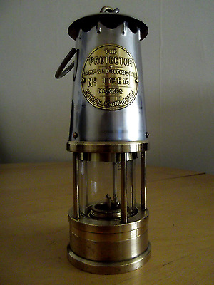 Protector Type 1A , lamp