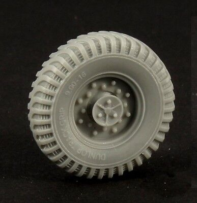 PANZER ART, RE35-344 5 ROAD WHEELS (DUNLOP)for BRITISH CHEVROLET C15 PROMOTE