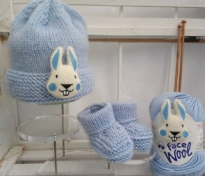 Baby / child hat knitting kit with emoticon motif