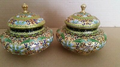 Lot of 2 Chinese cloisonne jars w/ lids Green Red Blue Gold Teal: Ornate design