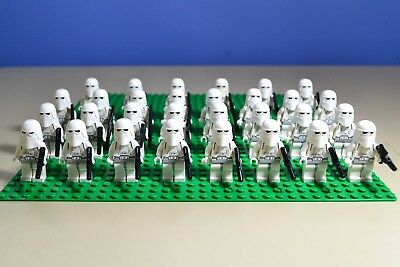 Lego Star Wars Snow trooper  Minifigures Lot of 30 W/ Blasters