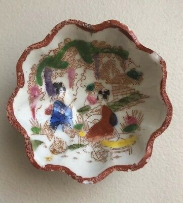 Antique Porcelain Japan Geisha Girl Tea Bag Bowl Hand Painted Footed Scalloped