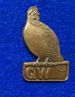 Beautiful 3D Engraved Bronze Colored Quail Pheasant Type Bird QW Lapel Pin