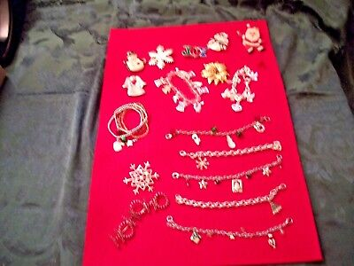 Vintage Christmas Jewelry - Lot of 17 pieces -  Pins - Bracelets - Scarf clips