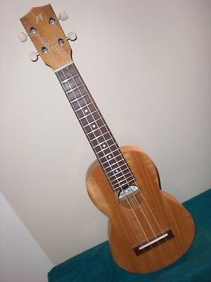 Mabuhay, Sop./Con. Ukulele, Mango vollmassiv NEU, hand made in the Philippines