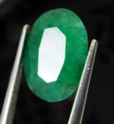 Natural 5.20 Ct Oval Cut Colombian Loose Emerald Gemstone. 525 ERT