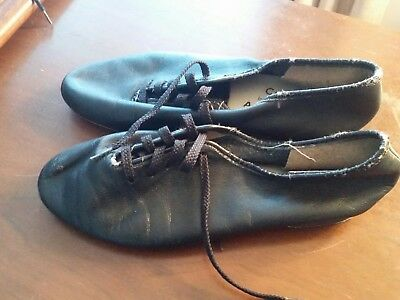 Womens Capezio Black Leather Jazz lace up leather sole Size 5.5