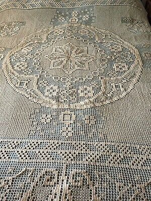 Beautiful Vintage Handmade Filet Lace Coverlet