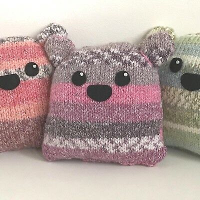 Two Plump Flumps Knitting Kit - Learn to Knit Kit