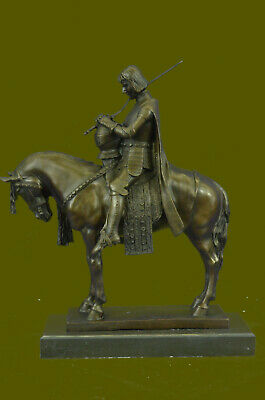 Fine Vintage Bronze Sculpture Knight in Armor King Arthur English Hot Cast Decor