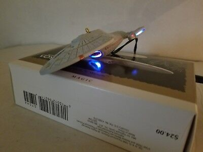 Hallmark 1996 Star Trek Voyager U.S.S. Voyager with original box