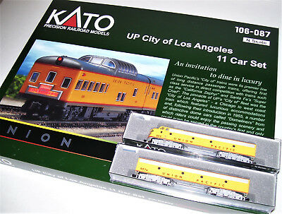KATO 106087 1765317 1765354 N A/B UP City of Los Angeles 11 Cars & 2 locos