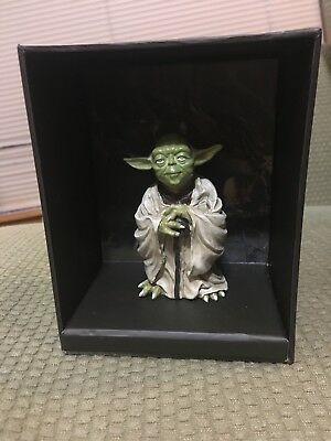 "STAR WARS Yoda ""Bring You Wisdom, I Will"" Collectible Figure & Book"