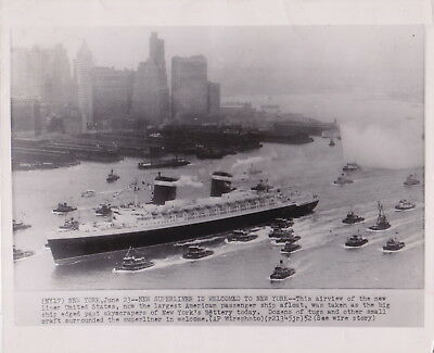 SS UNITED STATES Arriving in NYC * VINTAGE CLASSIC 1952 OCEAN LINER press photo