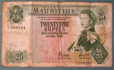 MAURITIUS 25 RUPEES NOTE FROM 1967. P 32 b , QUEEN,  SIGNATURE 4