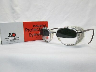 New American Optical Welding Safety Glasses Clear Glass IRUV Flip Up Shields