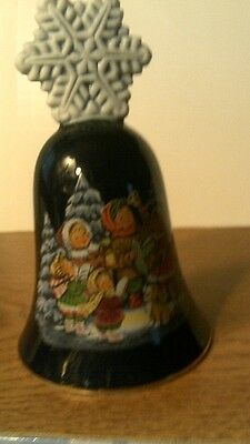 VTG 1987 Avon CHRISTMAS BELL Porcelain W/22 KT GOLD -  NO BOX -FREE SHIPPING