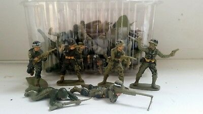 51 X Airfix 1/32 WW2 US Army Infantry figures - play worn, painted