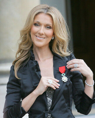Celine Dion UNSIGNED photograph - Beautiful Canadian singer - M5931 - NEW IMAGE