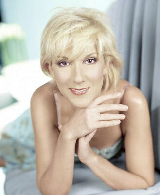 Celine Dion UNSIGNED photograph - Beautiful Canadian singer - M5934 - NEW IMAGE