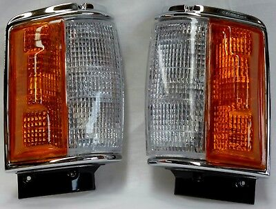 Toyota Hilux Ln65 Front Corner Indicator Lights Pair 221B