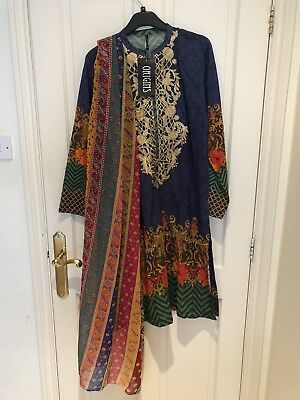 Small Embroidered Kurta With Dopatta By Origins