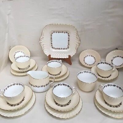 Minton Fine Bone china 23 Piece Tea Set Vineyard 5572 Cup Saucer Milk Jug Sugar