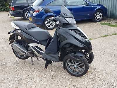 Piaggio Yourban mp3 300 car licence trike commute bike