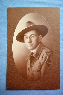 WWI Photo Portrait of Australian Soldier w/ Formation Badge