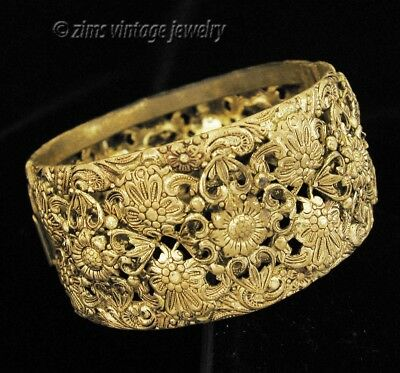 Antique ART NOUVEAU gilt Brass repousse FLORAL Filigree hinged Bangle BRACELET