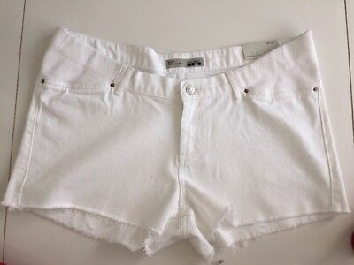 BNWT  TOPSHOP Maternity Jeans Shorts  Size 14