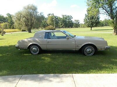 1985 Buick Riviera RIVIERA 1985 BUICK RIVIERA 18,812 ACTUAL MILES  1 OWNER LIKE NEW  INSIDE AND OUT SUNROOF
